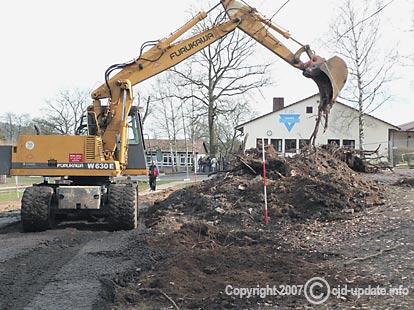 Baugrube – bis Freitag fertig. Bild: BUB
