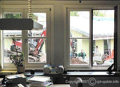 Cafeteria-Neubau: Königssohn auf der Wiese