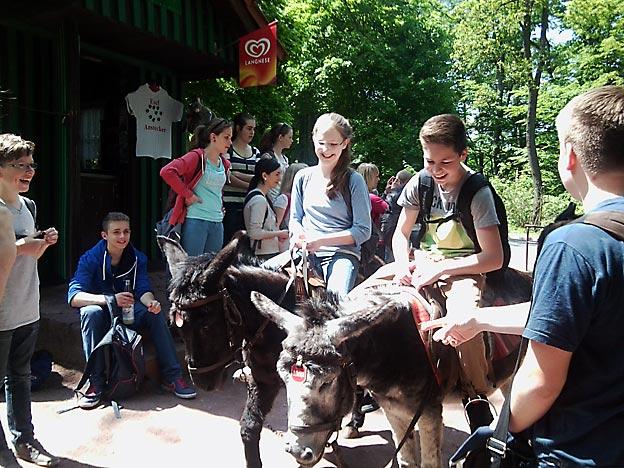 Beim Eselreiten. Foto: privat