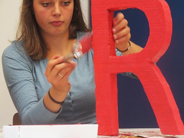 Wozu gehört wohl dieses R? Bild: Marie Knupp/CJD Oberurff