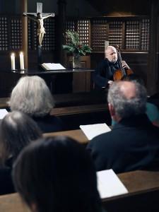 Philipp-Nicolai-Kirche Alt-Wildungen, Konzert für Cello solo, Januar 2014, zwei Dutzend Besucher, jüngster Teilnehmer vermutlich 50 plus.Bild: Andreas Bubrowski