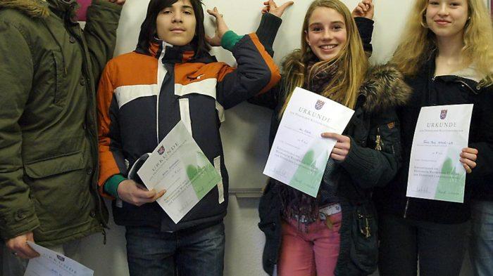 Die Sieger im Mathematikwettbewerb der achten Klassen 2013/14 (Julia nicht im Bild).Bild: A. Bubrowski/CJD Oberurff