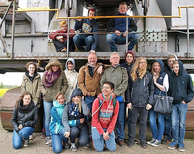 Klasse 9d, mit Physiklehrer K.-H. Umbach und Tour-Führer Bodo Schönyan. Bild: A. Bubrowski/CJD Oberurff