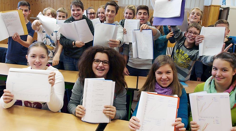 Klasse 8a (2014/15) |selbst erarbeitete Weg-Zeit-Diagramme