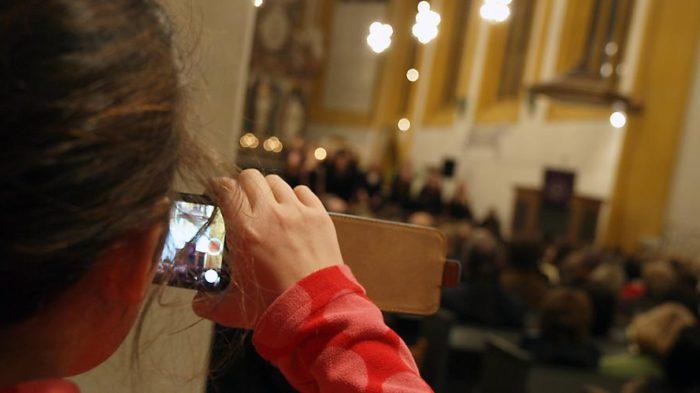 Fast alle Schüler haben ihr Smartphone fast immer zur Hand. Bild: A. Bubrowski/CJD Oberurff