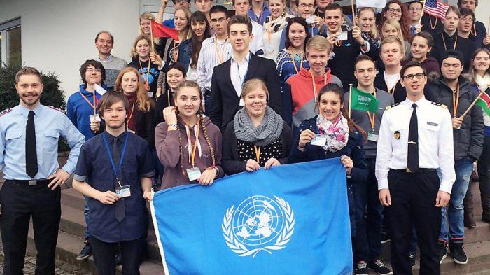 Die Teilnehmer des Seminars mit Lehrern und Spielleitern. Foto: privat