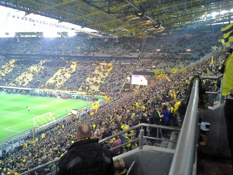 Vor dem Fußballspiel Borussia Dortmund gegen die TSG Hoffenheim. Foto: Malte Horn/CJD Oberurff