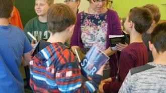 Kommunikation mit der Autorin, Deutschlehrerin Katharina von Urff. Bild: A. Bubrowski/CJD Oberurff
