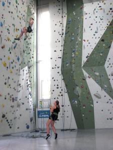 Sieben Meter hoch, um sich dann fallenzulassen. Foto: privat
