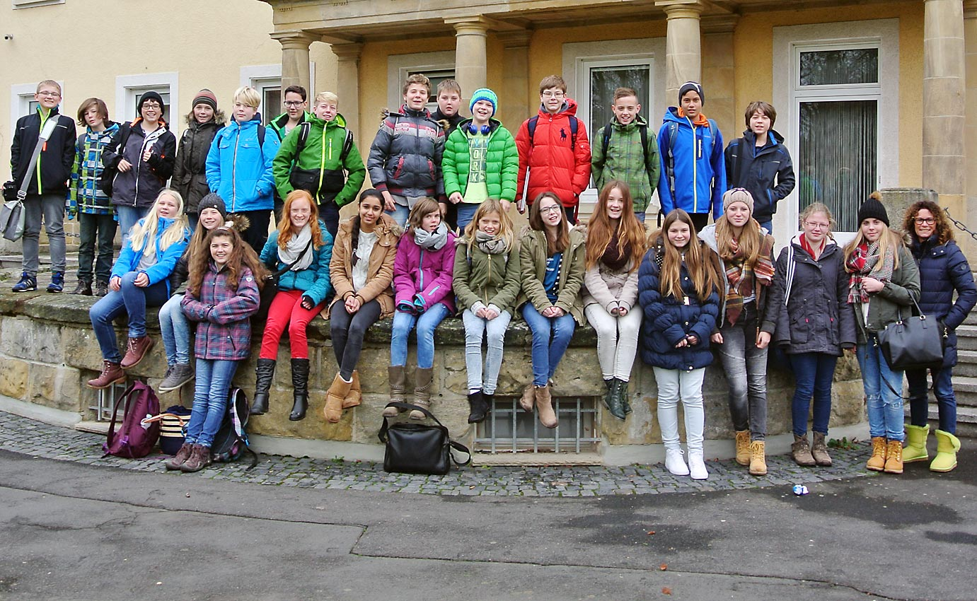 Lebendiger PoWi-Unterricht. 7e besucht Bürgermeister von Borken. Foto: Jonathan Bär/CJD Oberurff