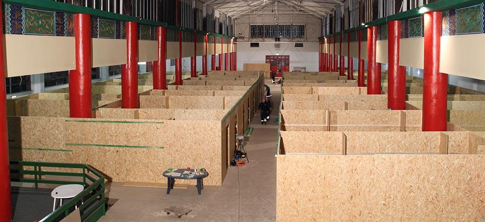 Bau einer Notunterkunft im Chinapark in Ziegenhain. Foto: privat