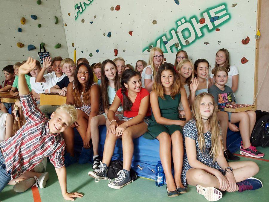 Die neuen 6. Klassen begrüßen neue 5. Klassen | Bild: Andreas Bubrowski/CJD Oberurff