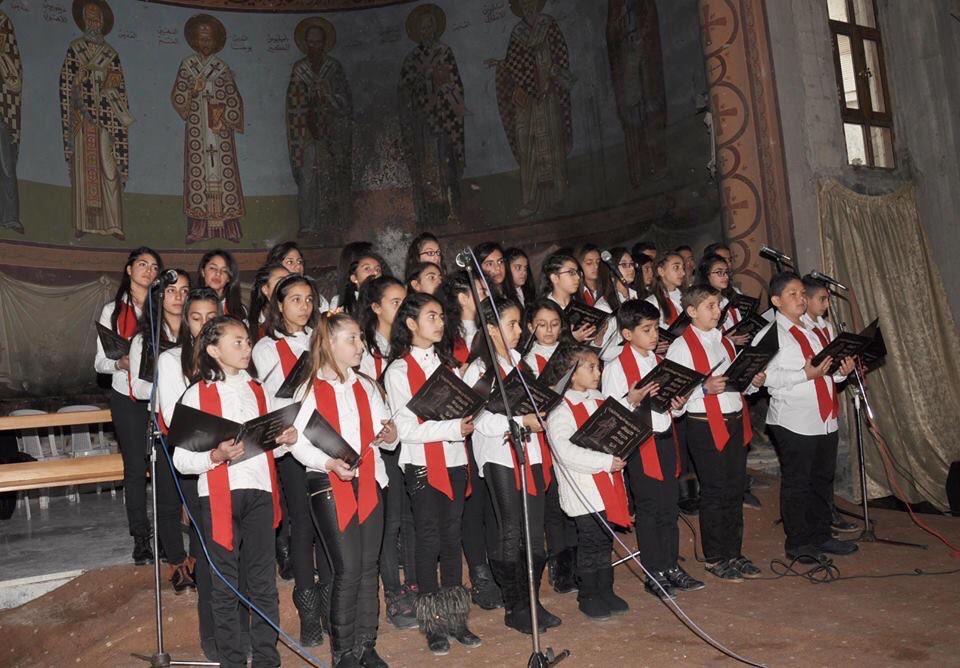 Christen können nach der Befreiung der Stadt Homs von bewaffneten Eindringlingen eine Adventsmesse feieren, so wie wir auch. Foto: Twitter