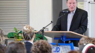 Schulleiter Günter Koch begrüßt Gäste | Bild: A. Bubrowski/CJD Oberurff