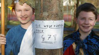 Jakob & Fabian weisen Weg nach Rom | Bild: Andreas Bubrowski/CJD Oberurff