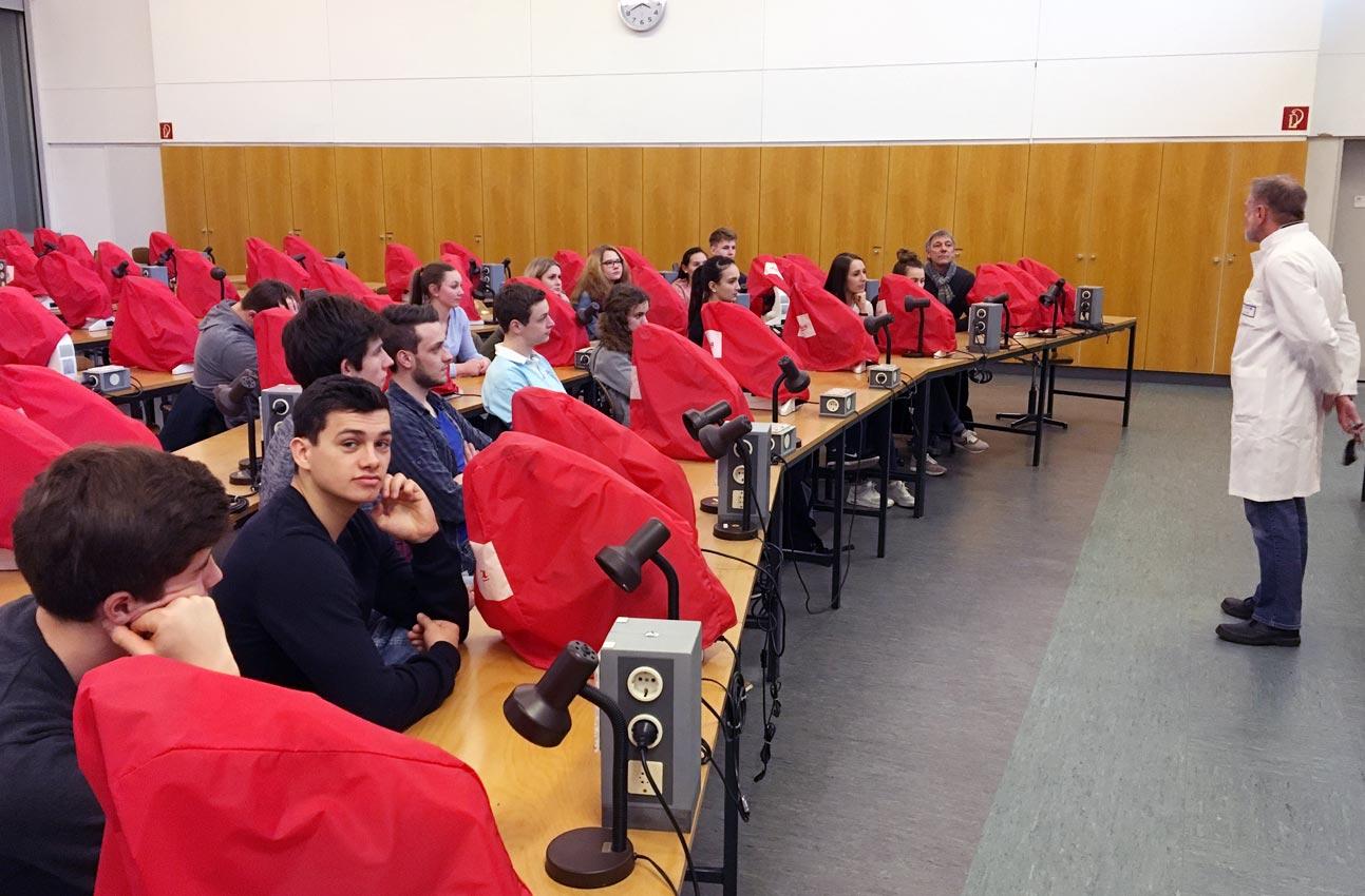 BIO LK 13: Schüler besuchen Anatomie der Universität Gießen - CJD-UPDATE