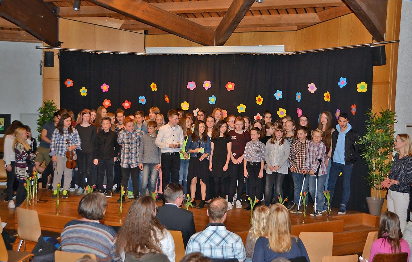 Wohlverdienter Applaus für junge Darsteller | Foto: Dirk Müller-Maguhn/CJD Oberurff