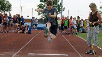 Thomas fliegt | Bild: Andreas Bubrowski/CJD Oberurff
