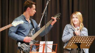 Schulband & Veronica | Bild: Andreas Bubrowski/CJD Oberurff