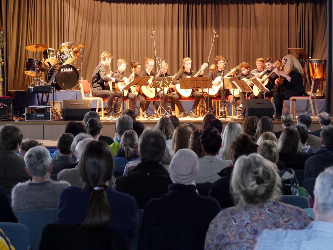 Gitarrenensemble (Leitung: Anja Gerschewsky) | Foto: A. BUbrowski/CJD Oberurff
