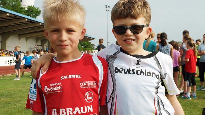 Sportfreunde Phil & Marcus sind bereit für die Bundesjugendspiele 2017 | Bild: Andreas Bubrowski/CJD Oberurff