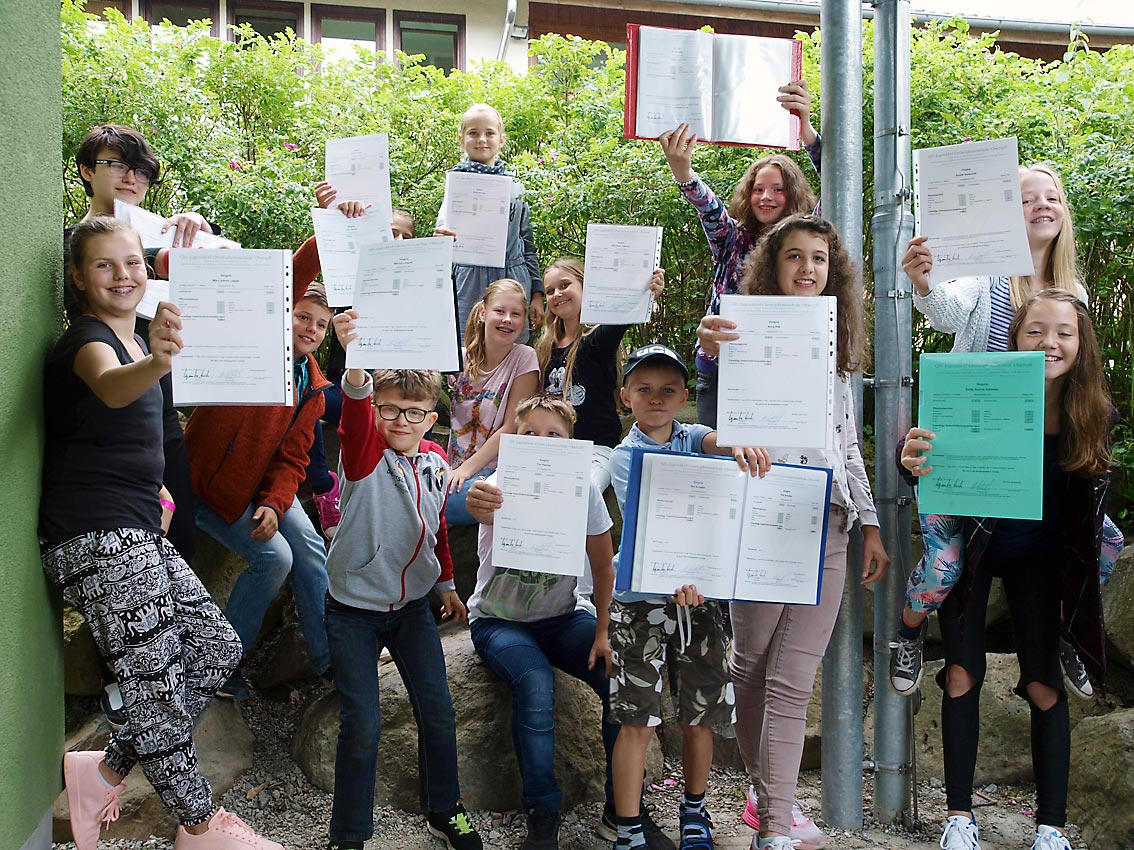 Klasse 5d (16-17) präsentiert Zeugnisse | Foto: Andreas Bubrowski/CJD Oberurff