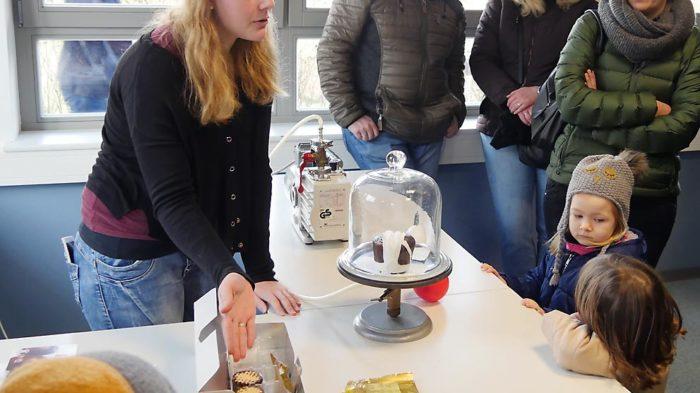 Physik 13 am Tag der offenen Schule | Bild: Andreas Bubrowski/CJD Oberurff
