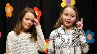 Leonie & Katharina (5e) | Foto: A. Bubrowski/CJD Oberurff
