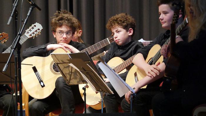 Unsere jungen Gitarren, Geigen, Flöten, ...