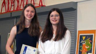 Physik-Preis: Lisa-Marie Kaiser und Theresa Köster | Foto: M. Moniac/CJD Oberurff
