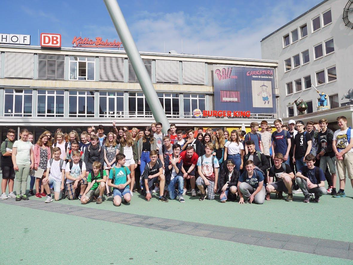 Gruppenfoto am Kulturbahnhof | Foto: J.-H. Kechel/CJD Oberurff