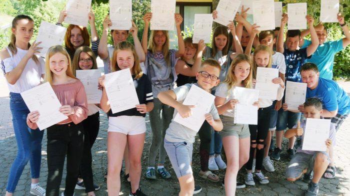 Klasse 5a (2018-19) nach der Zeugnisausgabe | Foto: A. Bubrowski/CJD Oberurff