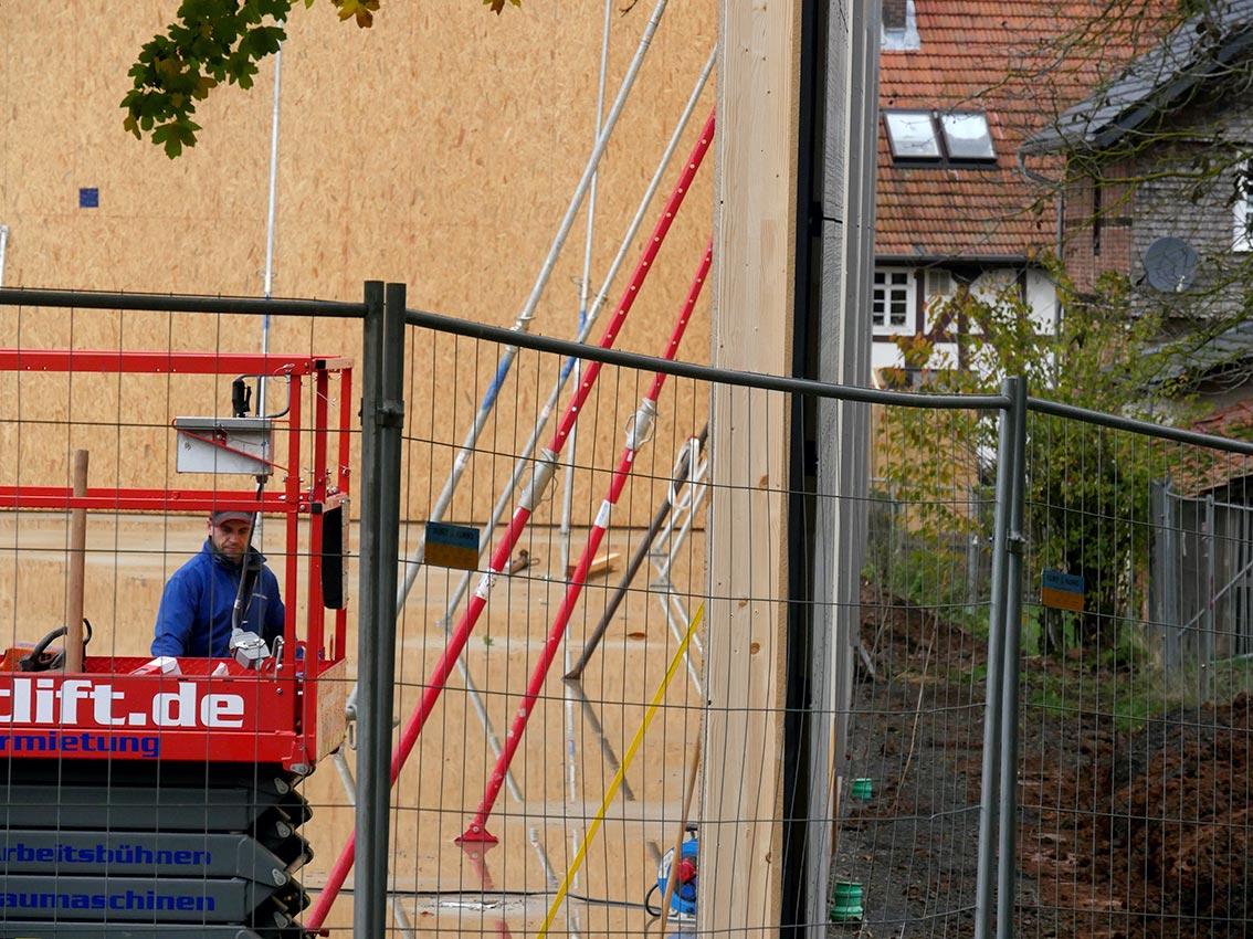 Turnhallen-Neubau: Fertigteil auf Fertigteil | Foto: A. Bubrowski/CJD Oberurff