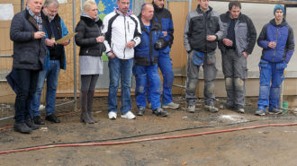 VIPs beim Turnhallenneubau | Foto: A. Bubrowski/CJD Oberurff