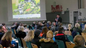 Begrüßung durch Schulleiter Günter Koch. Foto: BUB/CJD Oberurff