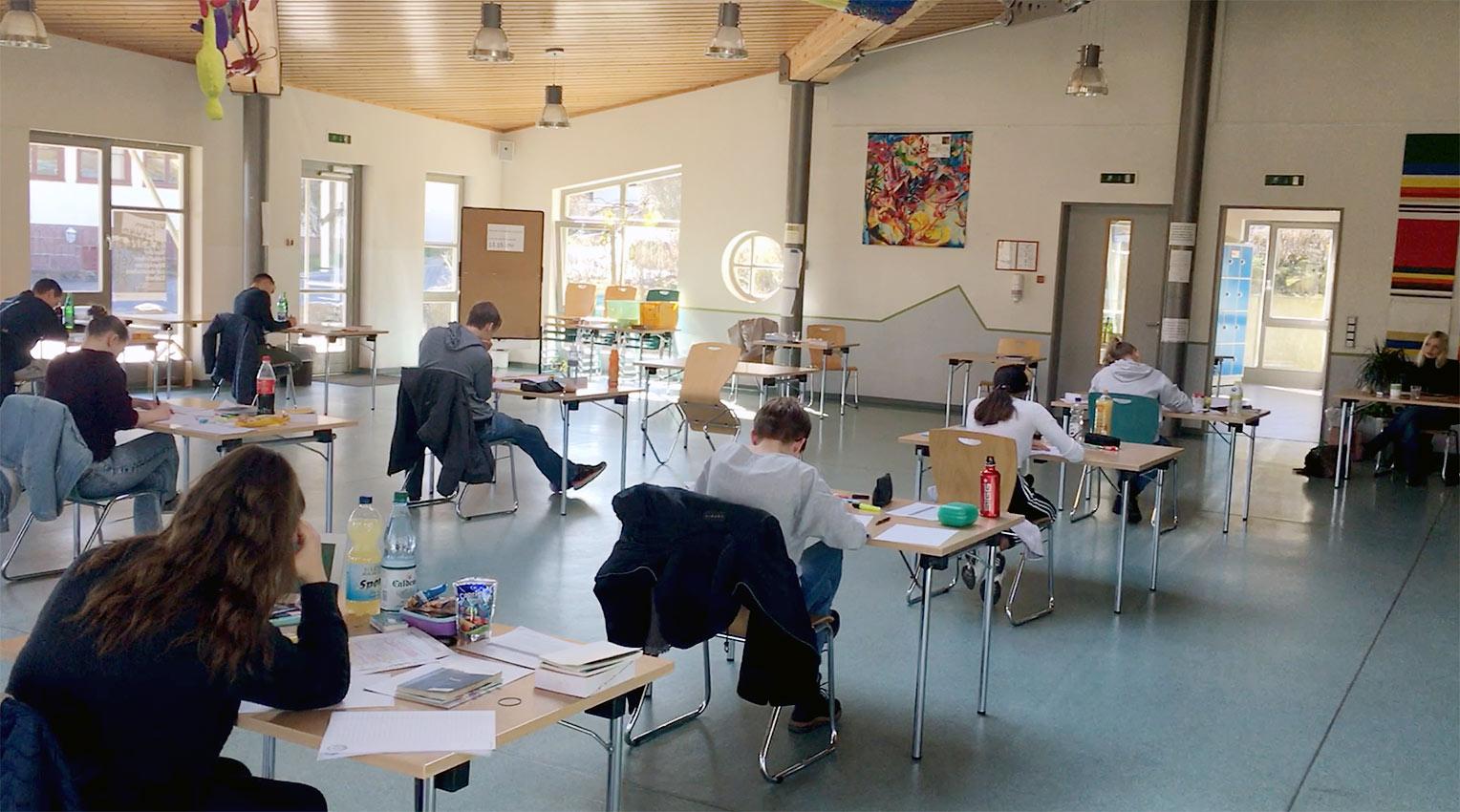 Und sie finden doch statt, die Abiturprüfungen, im Bild Deutsch | Foto: A. Bubrowski/CJD Oberurff